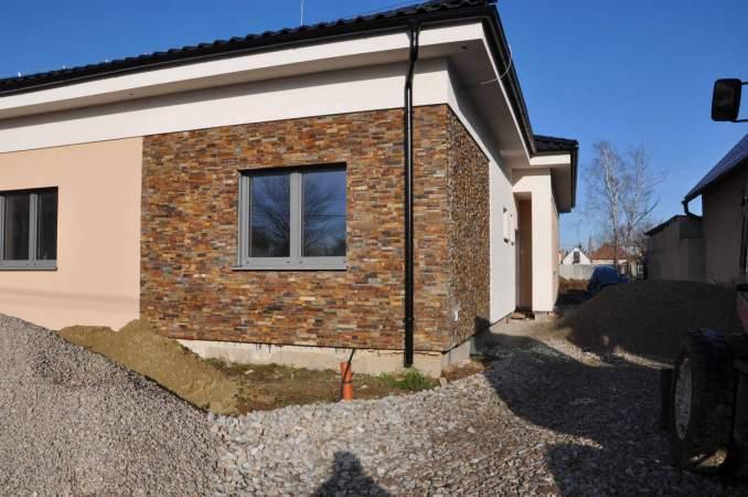 Obklad Romantik-masivny robustny obklad na fasade
